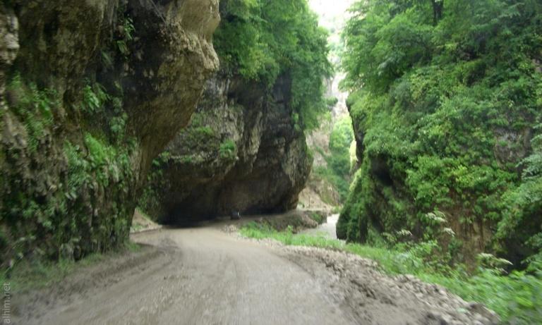 chegemskie-vodopadi-doroga