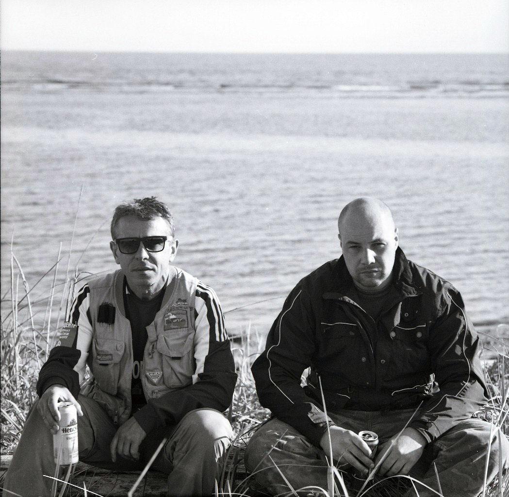 Владимир слева